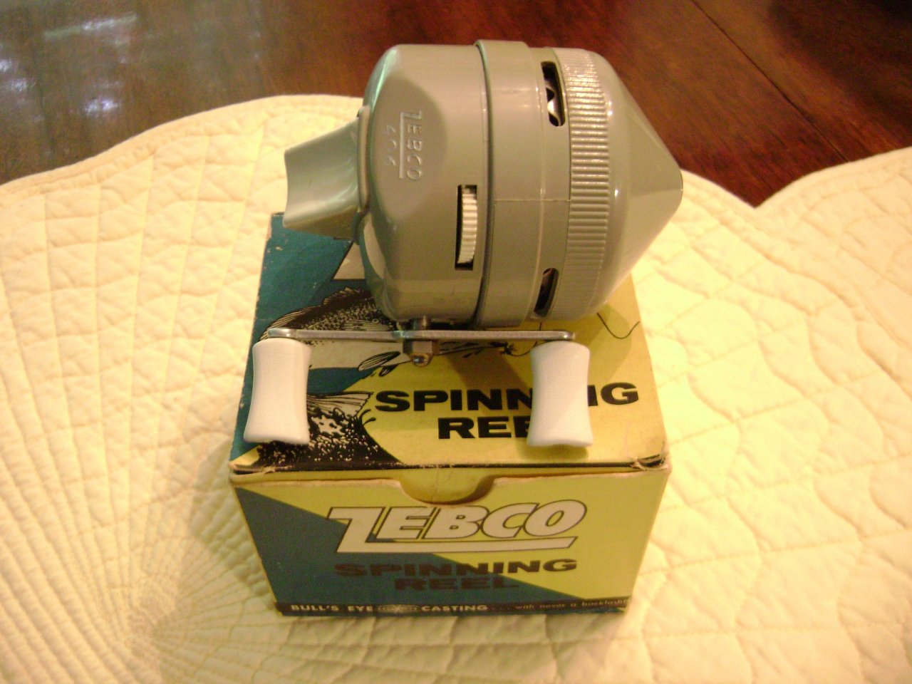 Zebco-406-reel-with-box-001-rphy6m9ql4.jpg