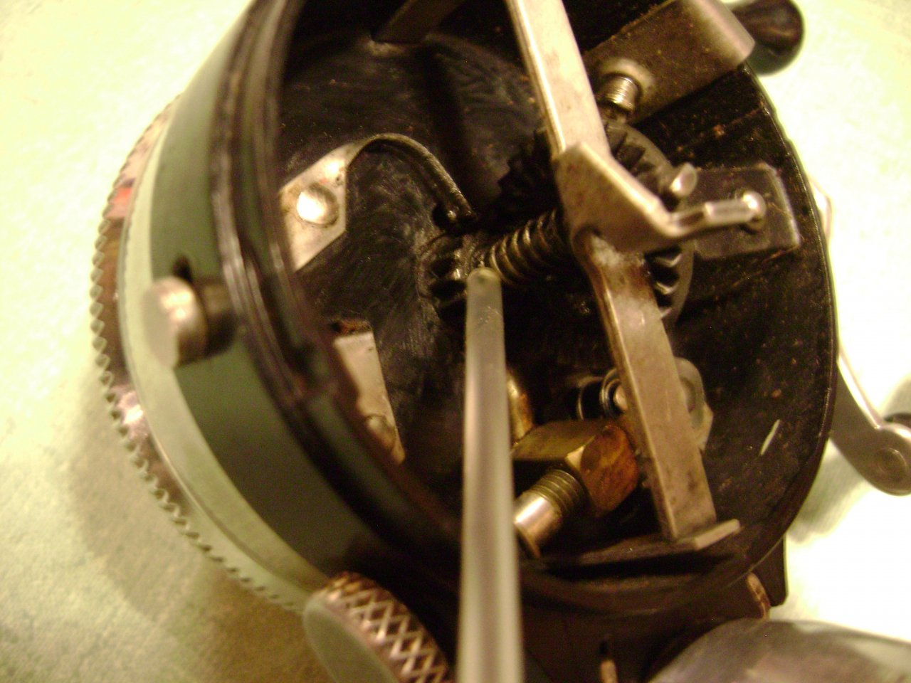 The thumb button won t push in on my spin cast reel for Push button fishing reel