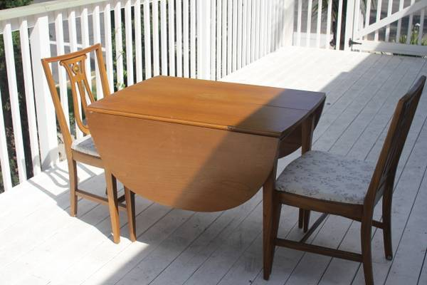 Lenoir Chair pany Broyhill table does anyone know the
