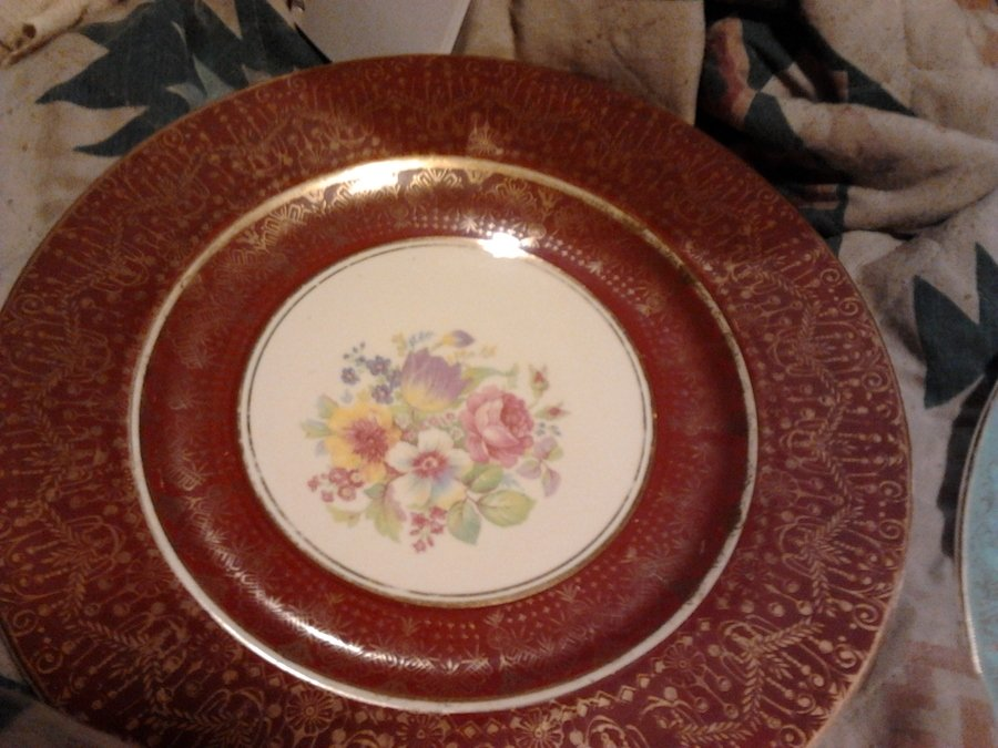 I Have A Dinner Plate Trimmed In 22 Kt Gold It Says