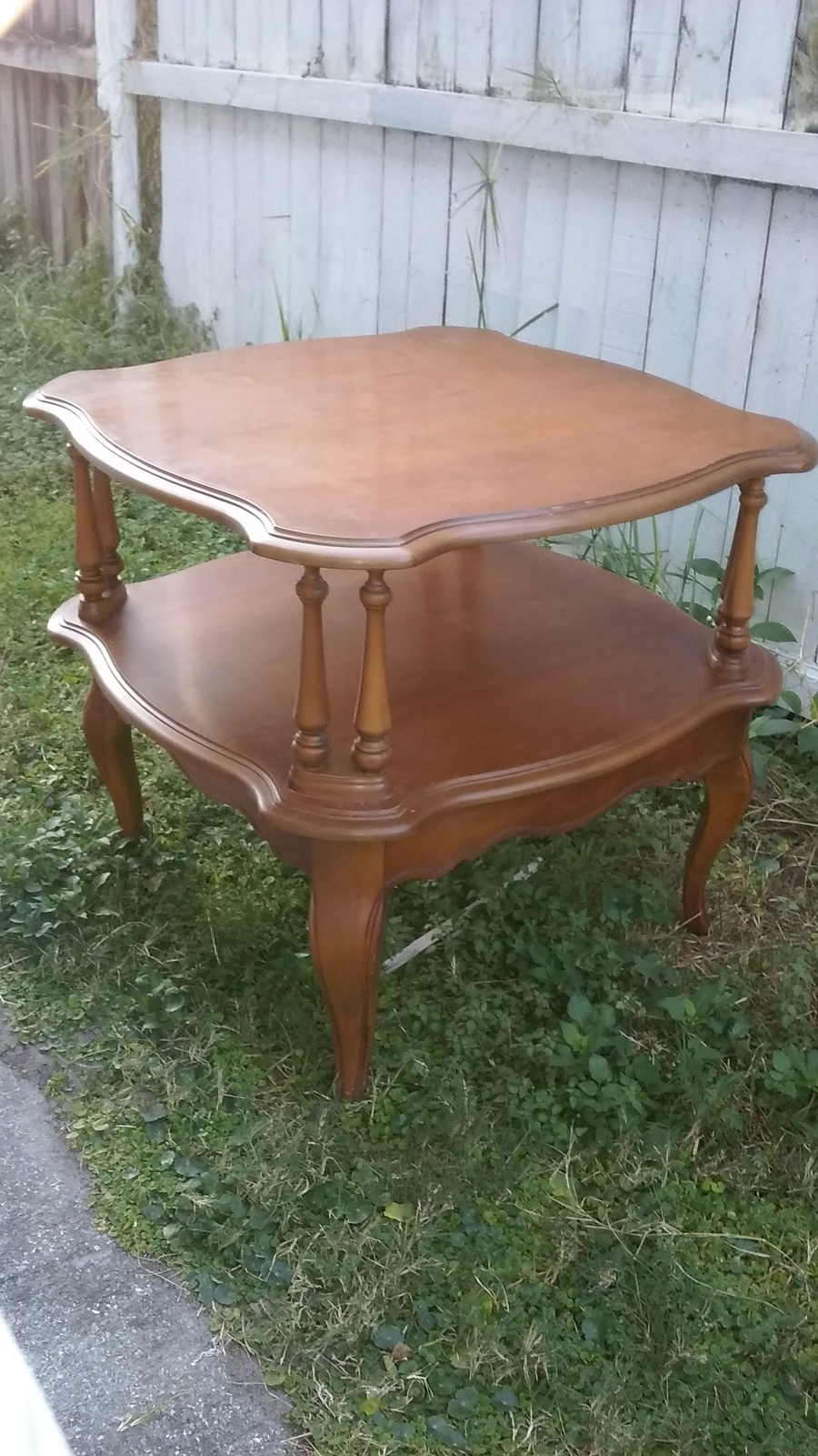I need to find the year and value of this vintage bassette for Find furniture