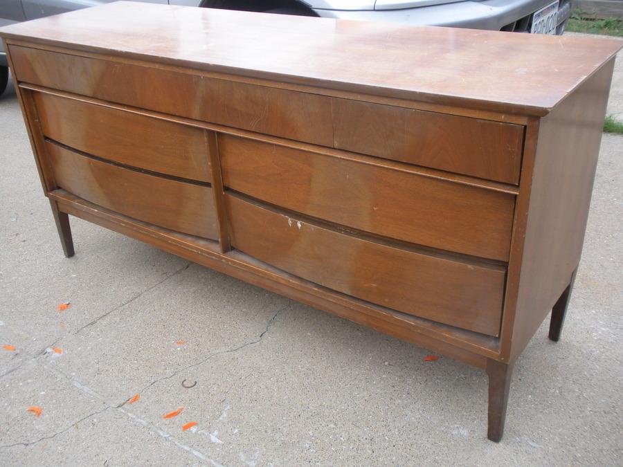 1960s Dixie manufacturer Bedroom Furniture