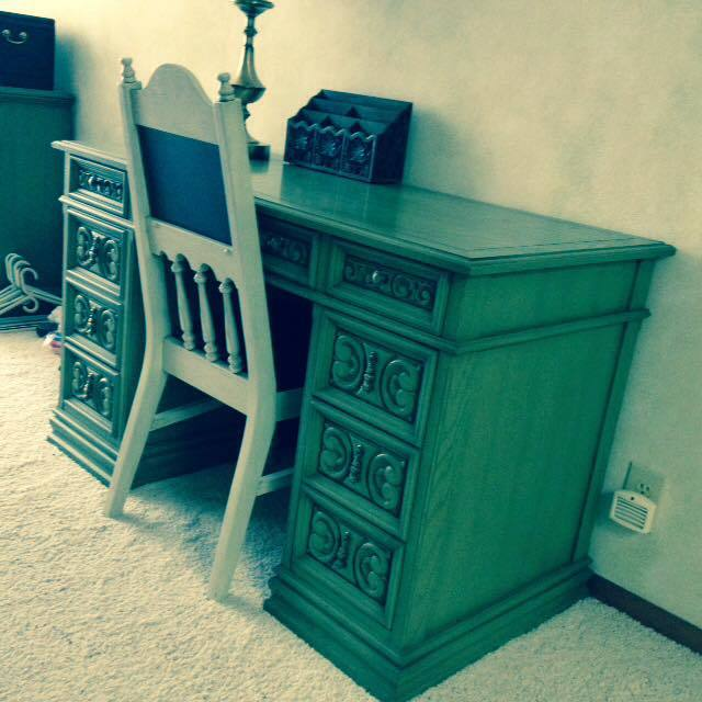 I 39 M Going To Sell This Desk By United Furniture Corp It 39 S From The Spanish My Antique