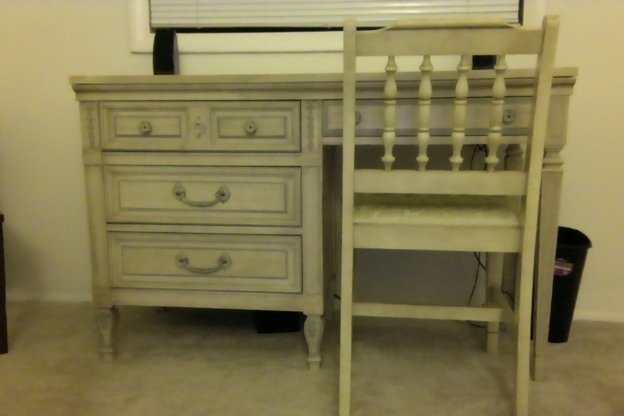 I Have A Dixie Furniture Bedroom Set, Plus A Dixie Desk That Doesnu0027t Match .