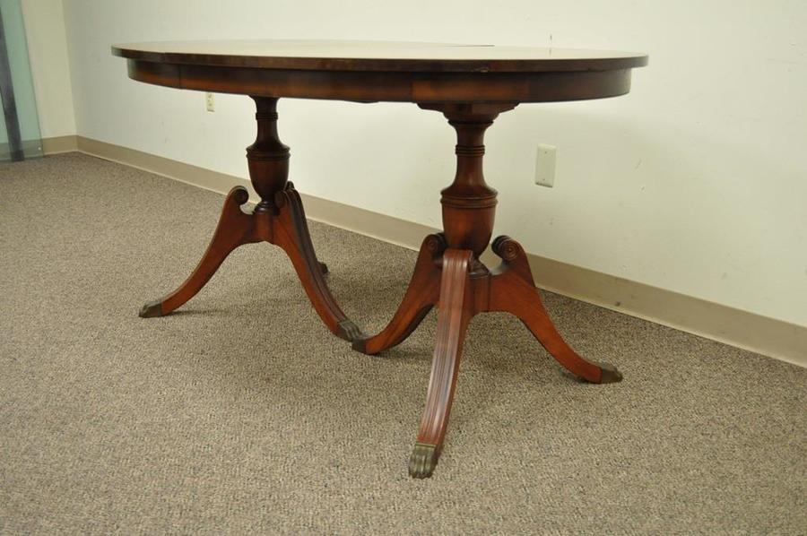 I have a duncan phyfe dining room set which includes a 4 for Duncan 5 dining room table