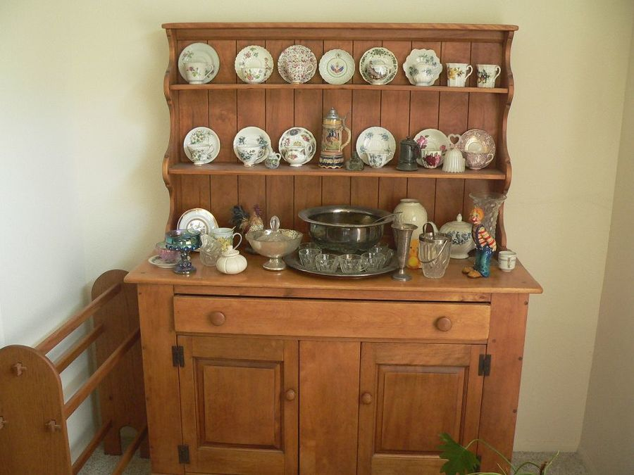 My Parents Bought The Pictured Hutch And Dining Room Table Back In ...