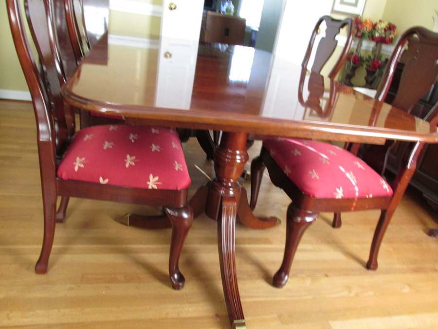 Thomasville Collectors Cherry Dining My Antique  : IMG0063 from www.myantiquefurniturecollection.com size 900 x 675 jpeg 160kB