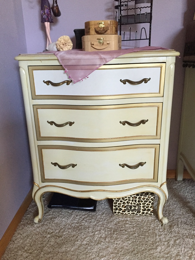 i have a vintage drexel french provincial bedroom furniture set for sell t my antique. Black Bedroom Furniture Sets. Home Design Ideas