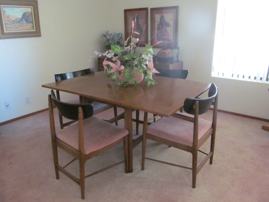 Would like to know the value of a mid 50 39 s dania dining for Dining room chairs 50