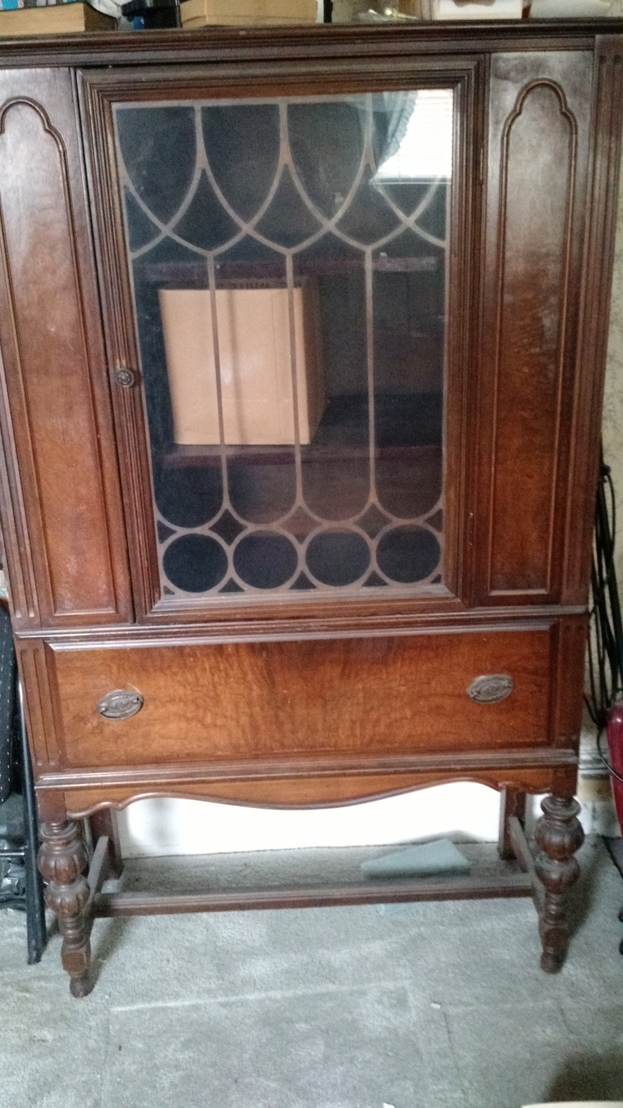 I Have A Lenoir Furniture Corp China Cabinet Case 6800