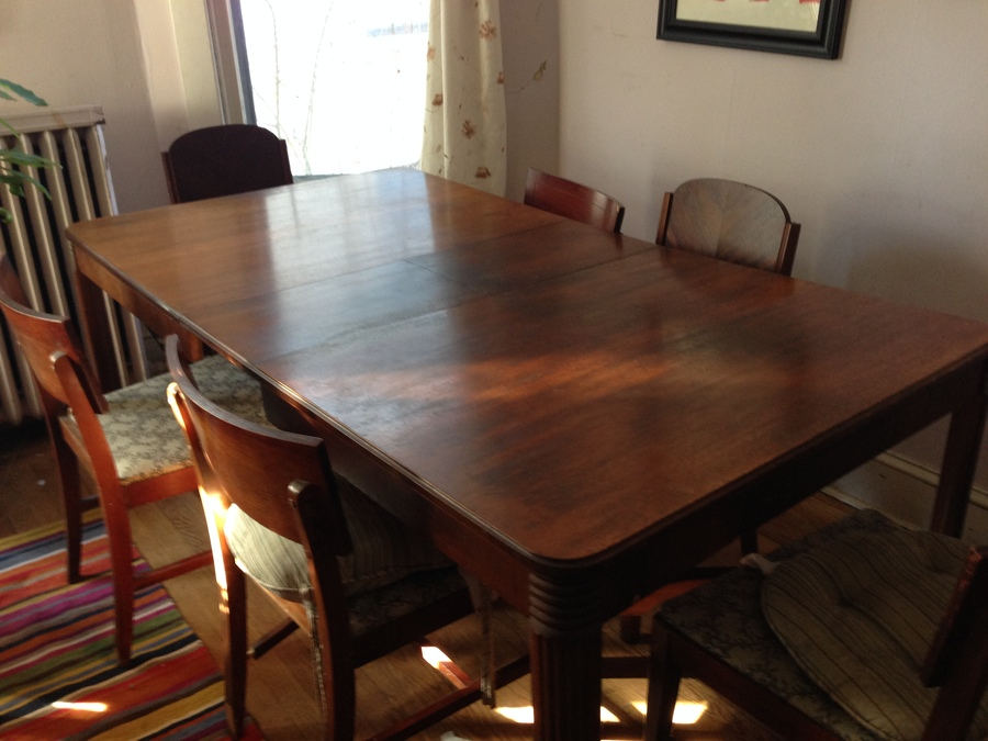 Looking To Know The Style And Value Of This Three Piece Dining Room Set.