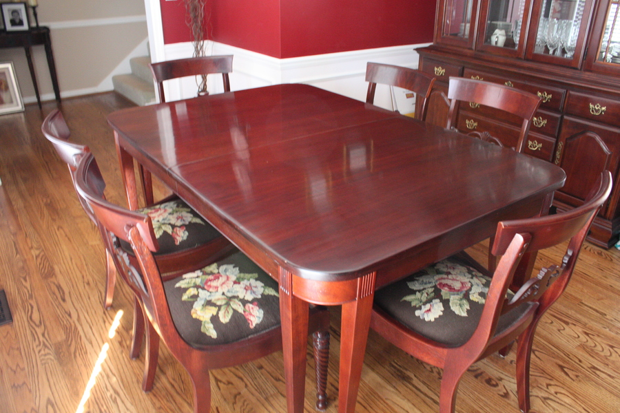 Jl Metz Dining Room Set
