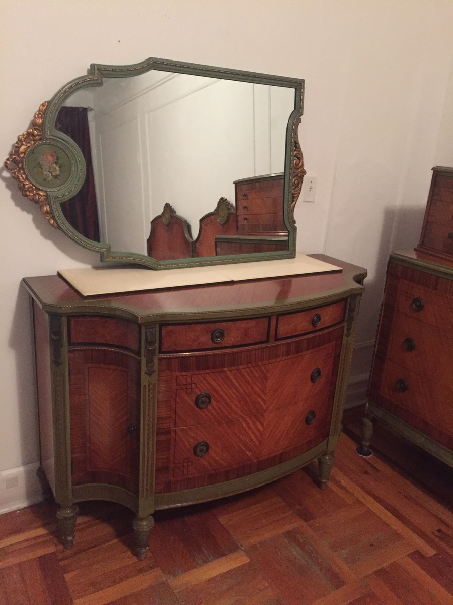 Bedroom set reischmann wholesale furniture my antique for Wholesale bedroom furniture