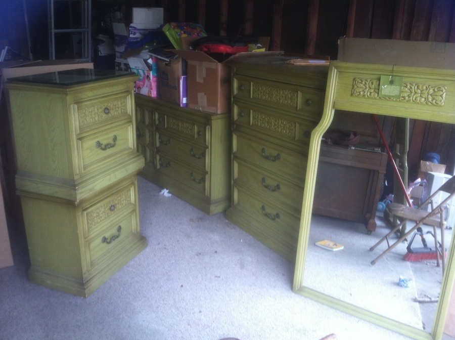 United Furniture 5 Piece Bedroom Set From 1970s Green My Antique Furniture Collection