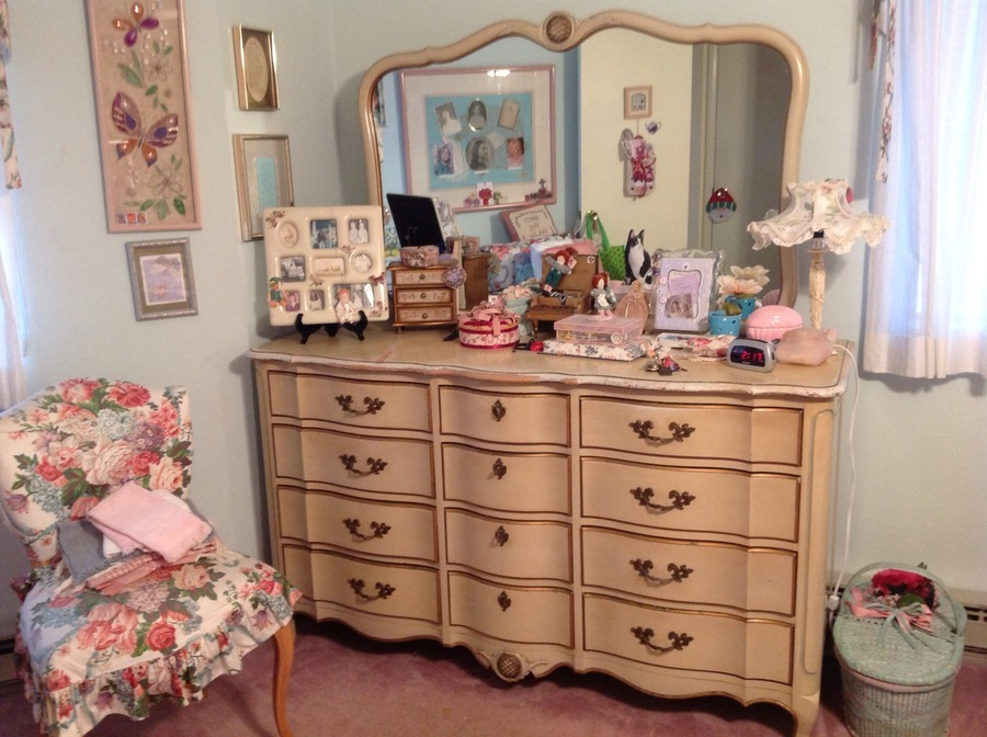I have a french provincial bedroom set made by the for French provincial bedroom furniture