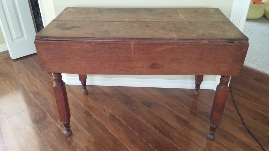Any idea to age and worth of this table there is no name for Table th html