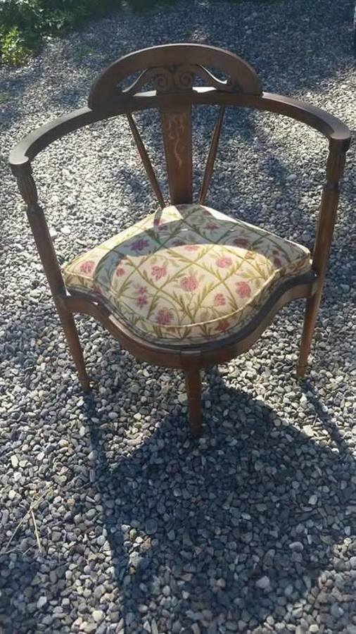 need help identifying this chair my antique furniture collection. Black Bedroom Furniture Sets. Home Design Ideas