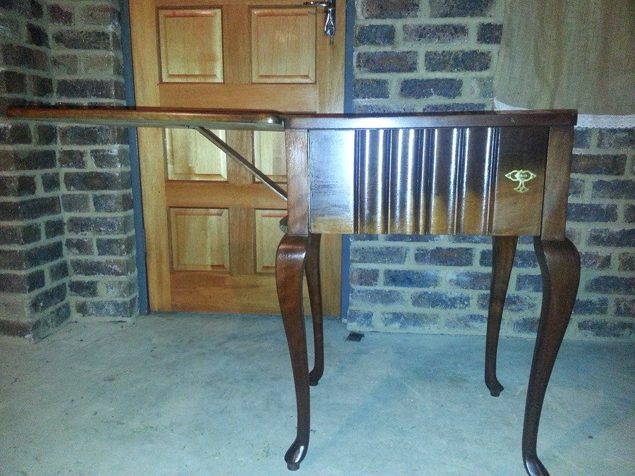 Sewing Machine Table I Would Like To Sell This Table That
