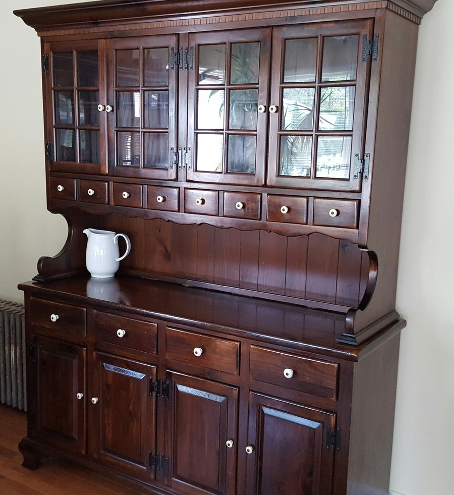 I Have An Ethan Allen Old Tavern Pine Hutch That I Would