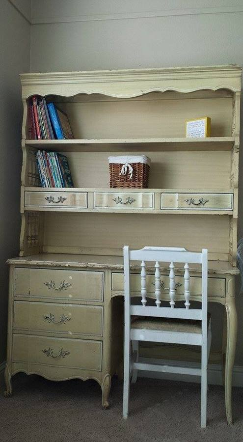 I would like to sell my henry link little girls french for Little girls nightstand