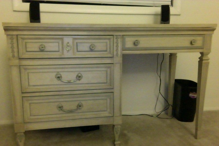 I Have A Dixie Furniture Bedroom Set Plus A Dixie Desk