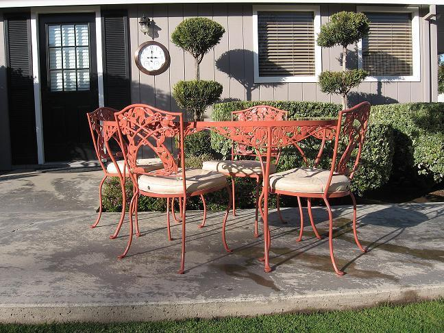 1940 Florentine Studio Patio Dining Set