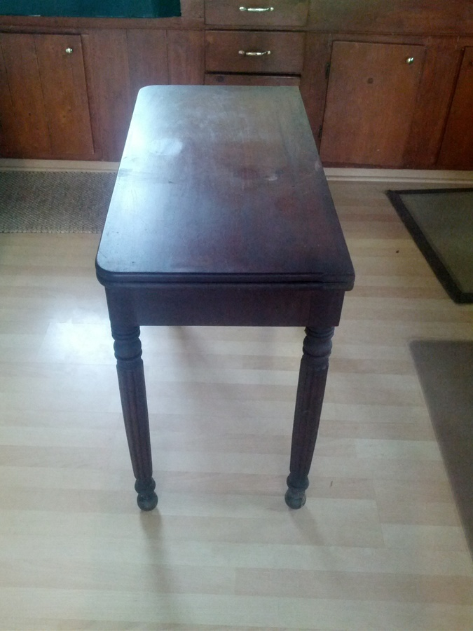 Need help identifying an old gate leg table no markings for Where can i buy vintage furniture
