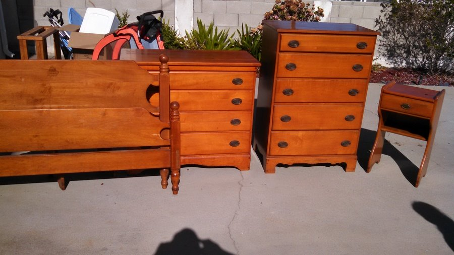 solid rock maple bedroom set pics attached my antique furniture