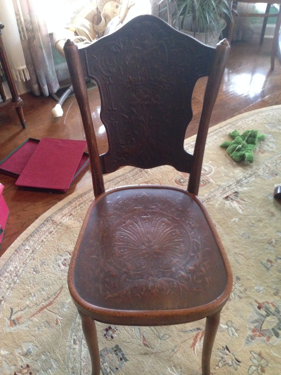 I Have 4 Kohn Bentwood Chairs That I Am Interested In Selling Can You Give My Antique