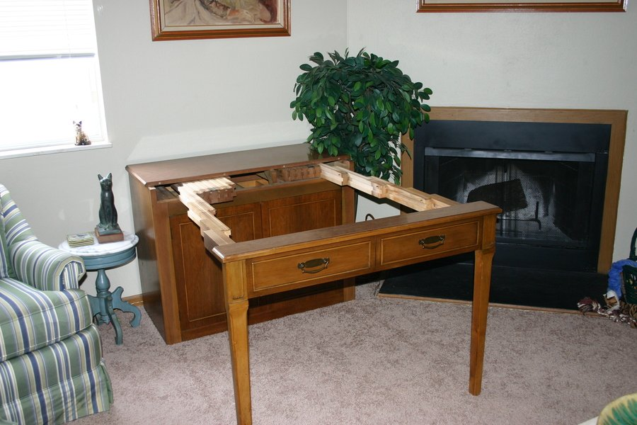 I have a saginaw extendable table for sale it is in wonderful condi - Buffet table extensible ...
