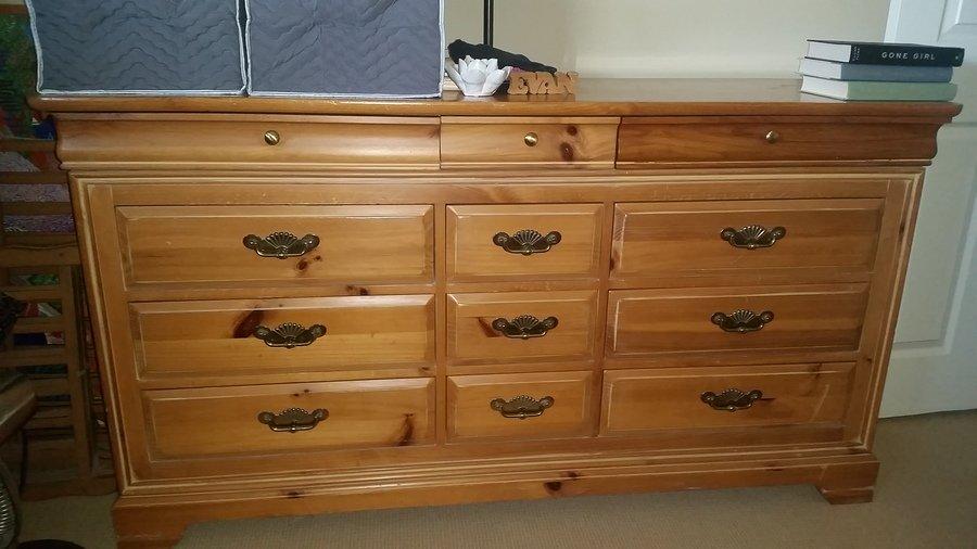 Dresser my antique furniture collection for Taylor j bedroom furniture