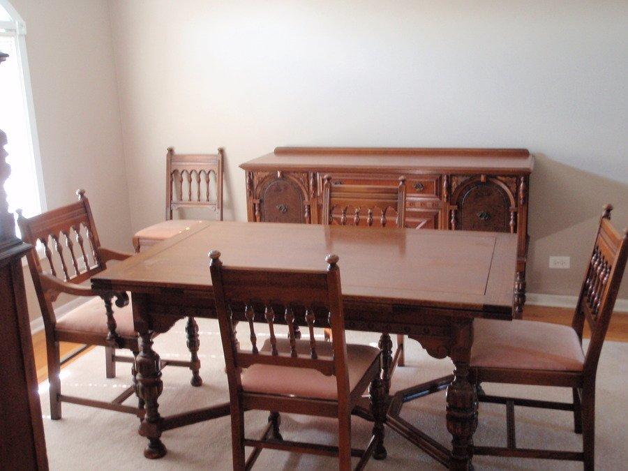 John M Smyth Co Dining Room Set