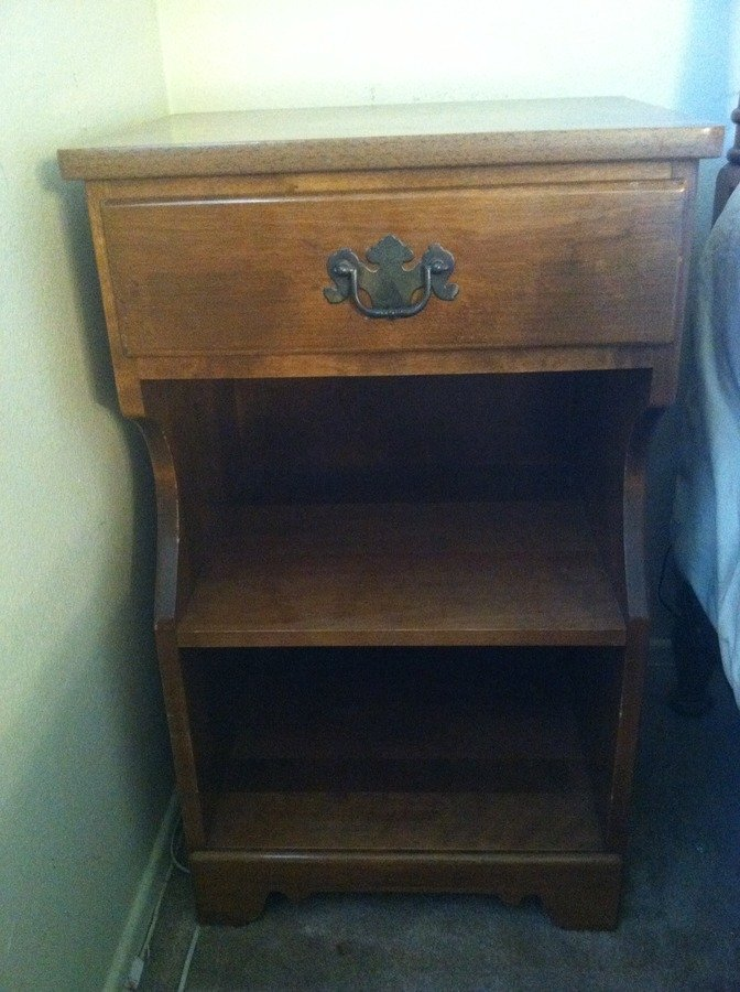 I Have A Full Size Bed With A 6 Drawer Dresser And A Night Stand That Are S... : My Antique ...