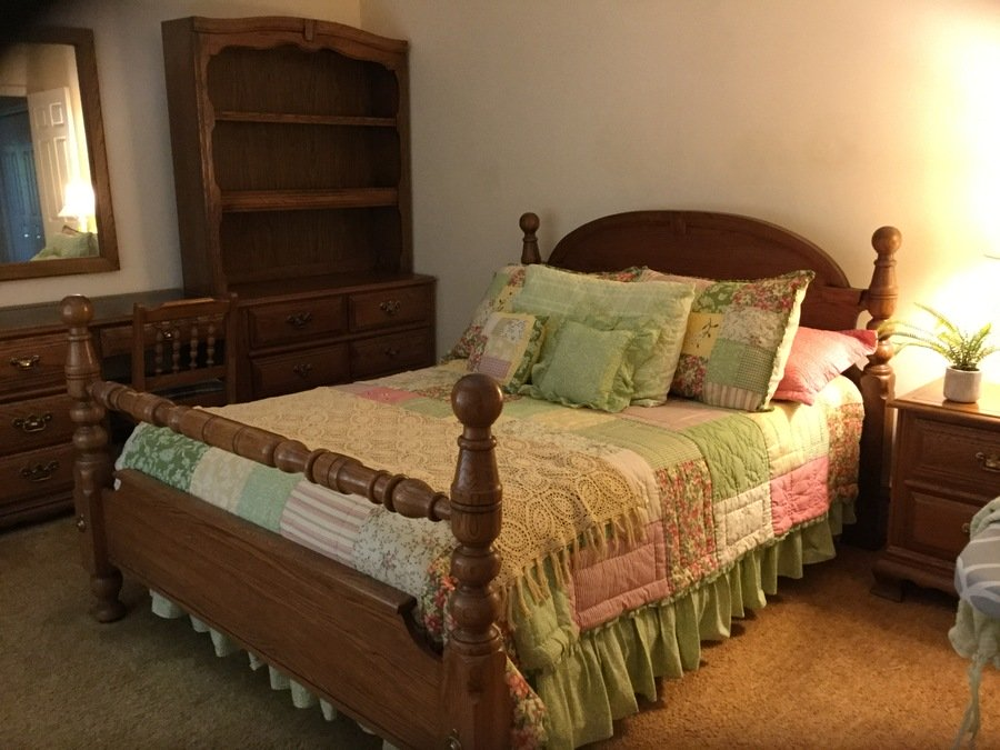 Young and Hinkle charter oak bedroom set. Young And Hinkle Charter Oak Bedroom Set   My Antique Furniture