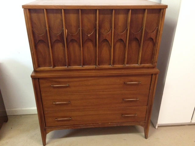 What Is The Value Of This Mid Century Dresser My Antique Furniture Collection