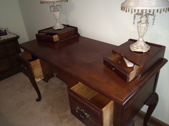 Thomasville dressing table my antique furniture collection for Where can i buy vintage furniture
