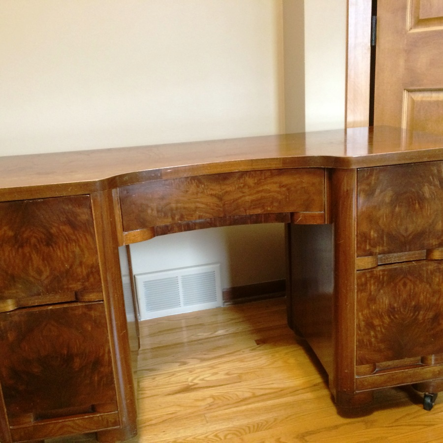 I Have An Old Makeup Vanity From Hilbriten Furniture