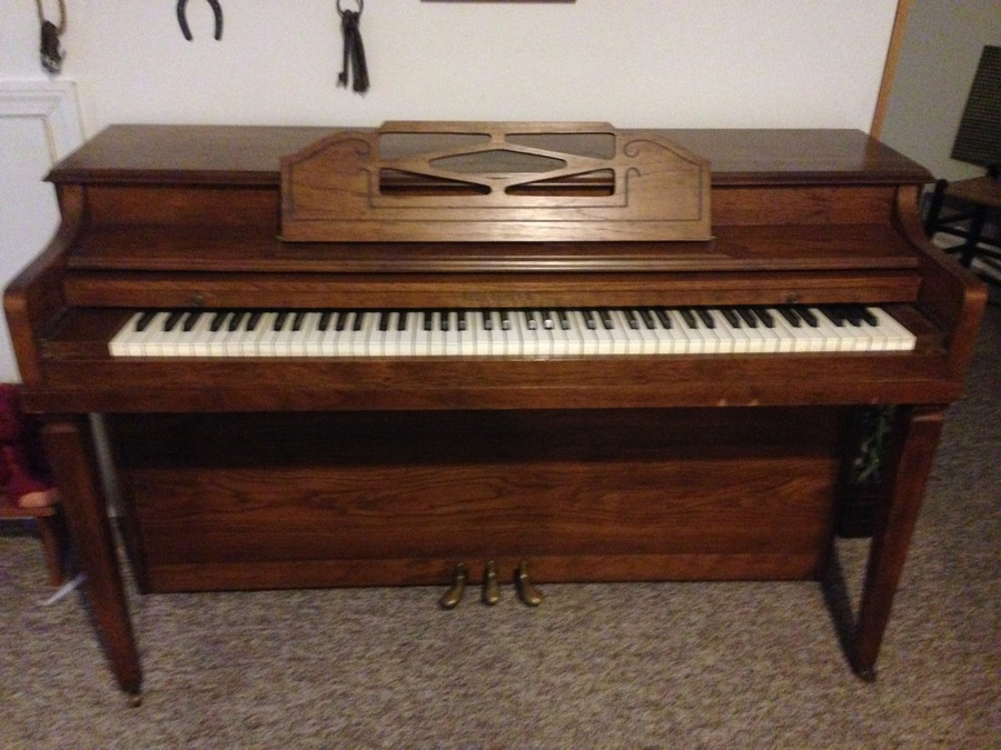 I have a hallet davis co piano with a serial 201645 and i for How much space does a baby grand piano need