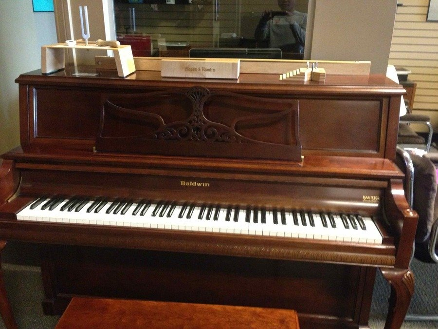 find hamilton piano serial number