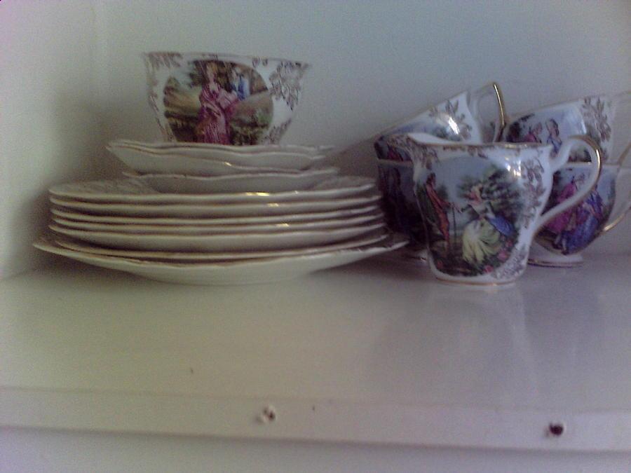Bowls And Plates Set