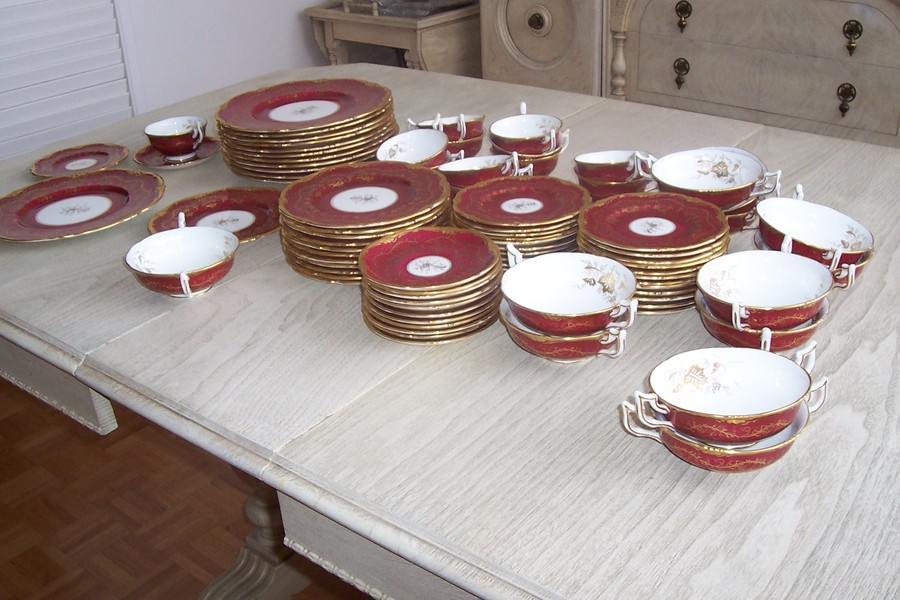 Royal Cauldon Bone China Kingu0027s Plate Cranberry color set of 12 for sale. Please contact u003cemailu003e for more information. & Royal Cauldon Bone China Kingu0027s Plate Cranberry Color | Artifact ...