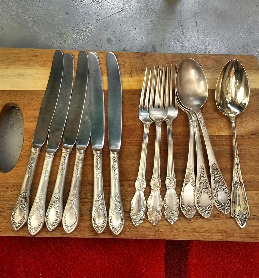 Each piece has a heavy weight very original cut - out pattern and a marks \  мнц1р.15к \ . I would very much like to know the approximate price for this ... & I Have The Old Russian Silver Cutlery Not Full Set Of Six Silver ...