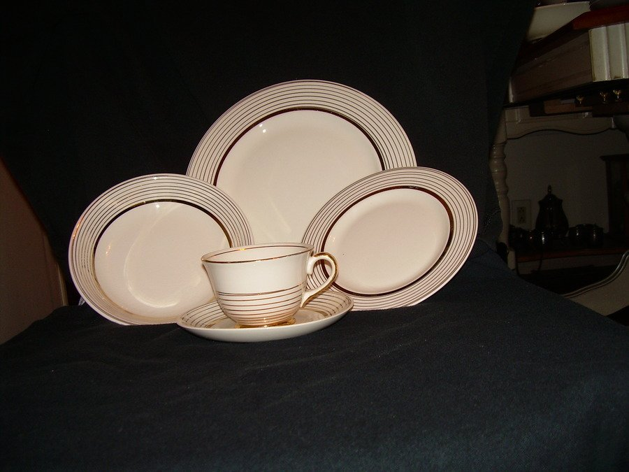 Edwin m knowles 22k china dishes. I have 1 meat platter1 ve... kathy 6 years ago & Edwin M Knowles 22k China Dishes. I Have 1 Meat Platter1 Ve ...