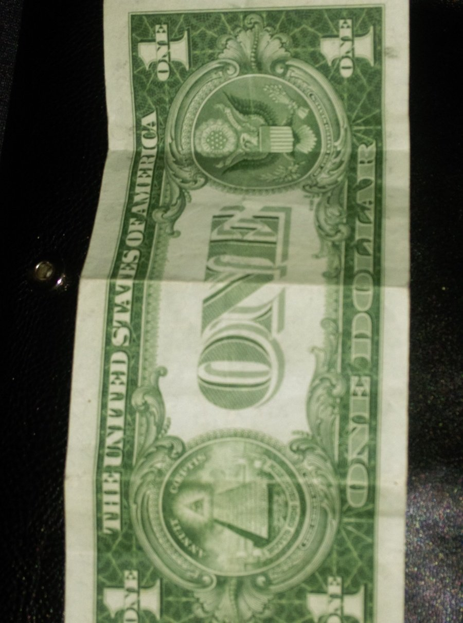 How much is a 1935 e silver certificate one dollar bill worth i took a picture of both sides of my bill i hope this is helpful to you please respond back thank you dawn 1betcityfo Images