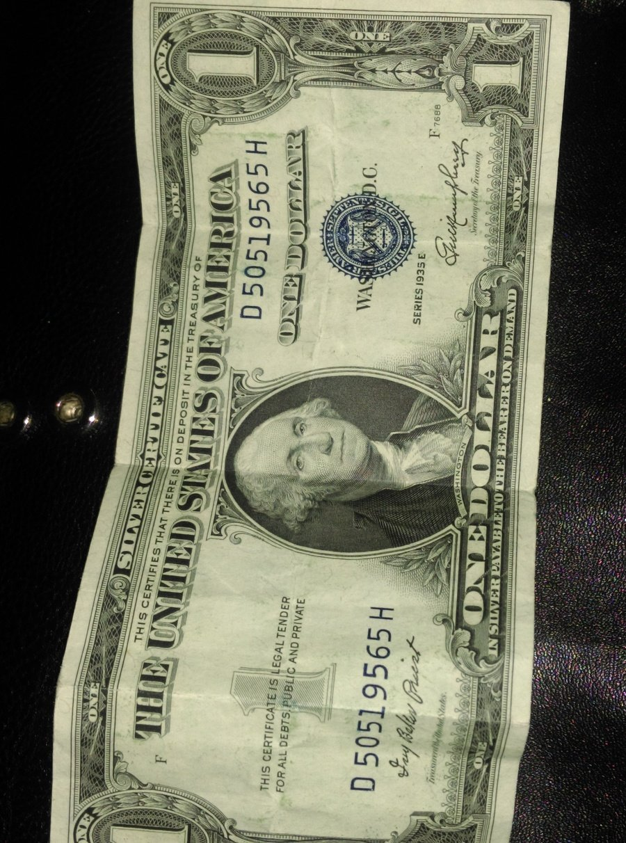 How much is a 1935 e silver certificate one dollar bill worth value to this i hope you can help me out i took a picture of both sides of my bill i hope this is helpful to you please respond back xflitez Choice Image