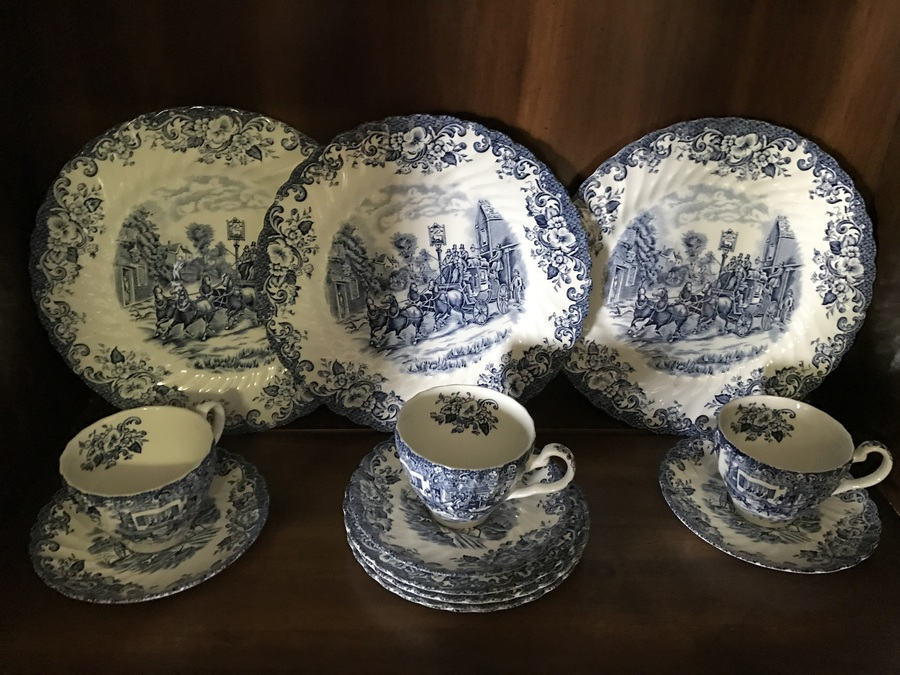 Also has 2 different By Appointment to her Majesty the queen and to H.M Queen Elizabeth the Queen Mother Manufacturers of ceramic tableware. & Value And History On My Johnson Brothers Dinnerware | Artifact ...