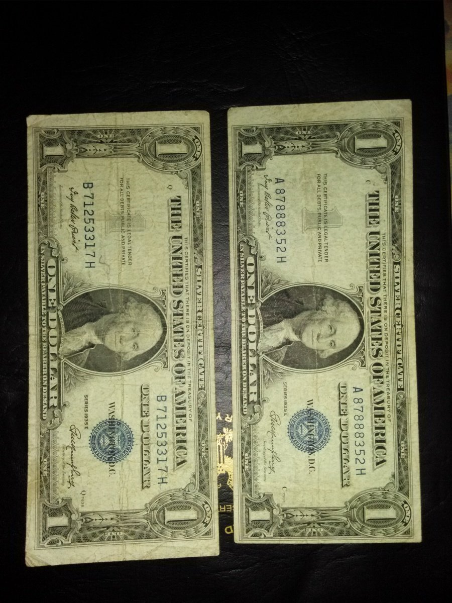 How much is a 1935 e silver certificate one dollar bill worth heres the photos of the bills xflitez Choice Image