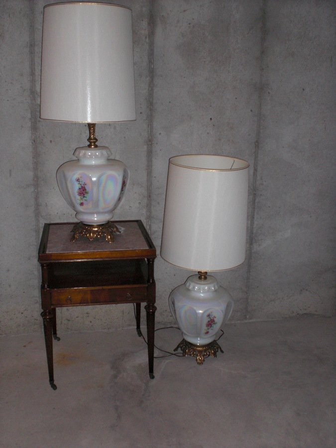 Have An Accurate Casting Table Lamp The Shade Is Missing