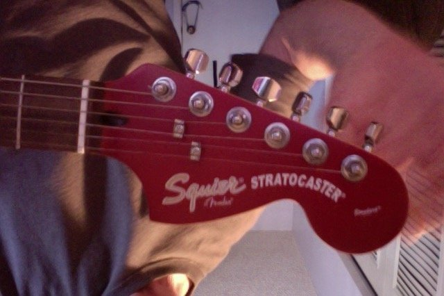 how much is my 2005 fender squire stratocaster worth axe central. Black Bedroom Furniture Sets. Home Design Ideas
