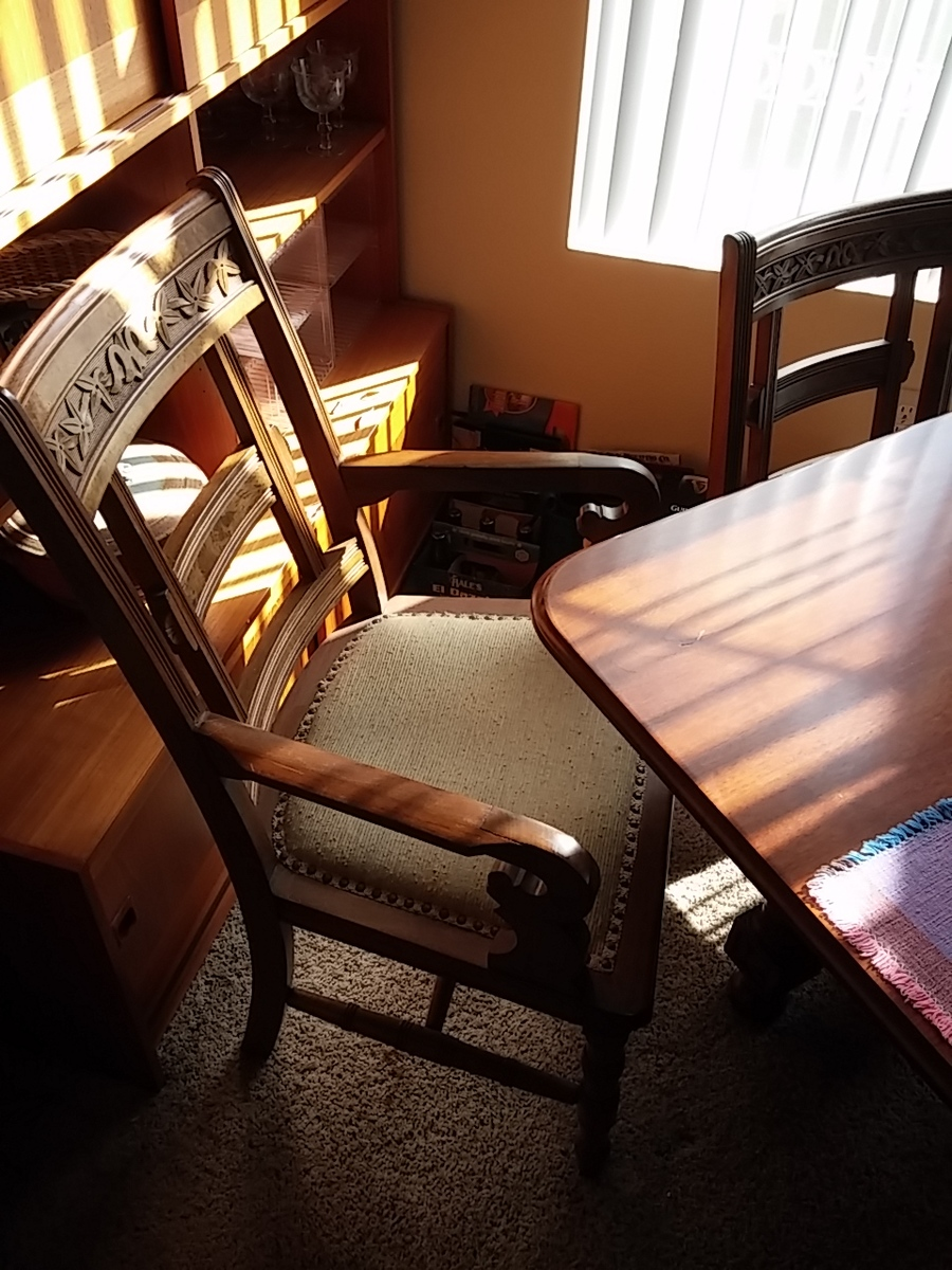 Dining Table And Chairs From Hawks Furniture Company, Goshen IN. Probably  B... Guest 2 Years Ago